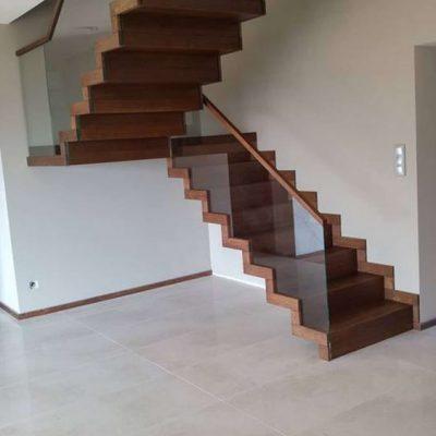 schody dywanowe z podestem Dębica