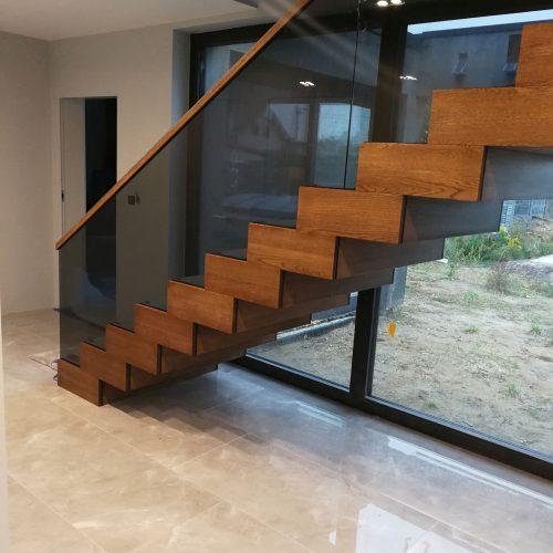 ile kosztują schody drewniane dywanowe