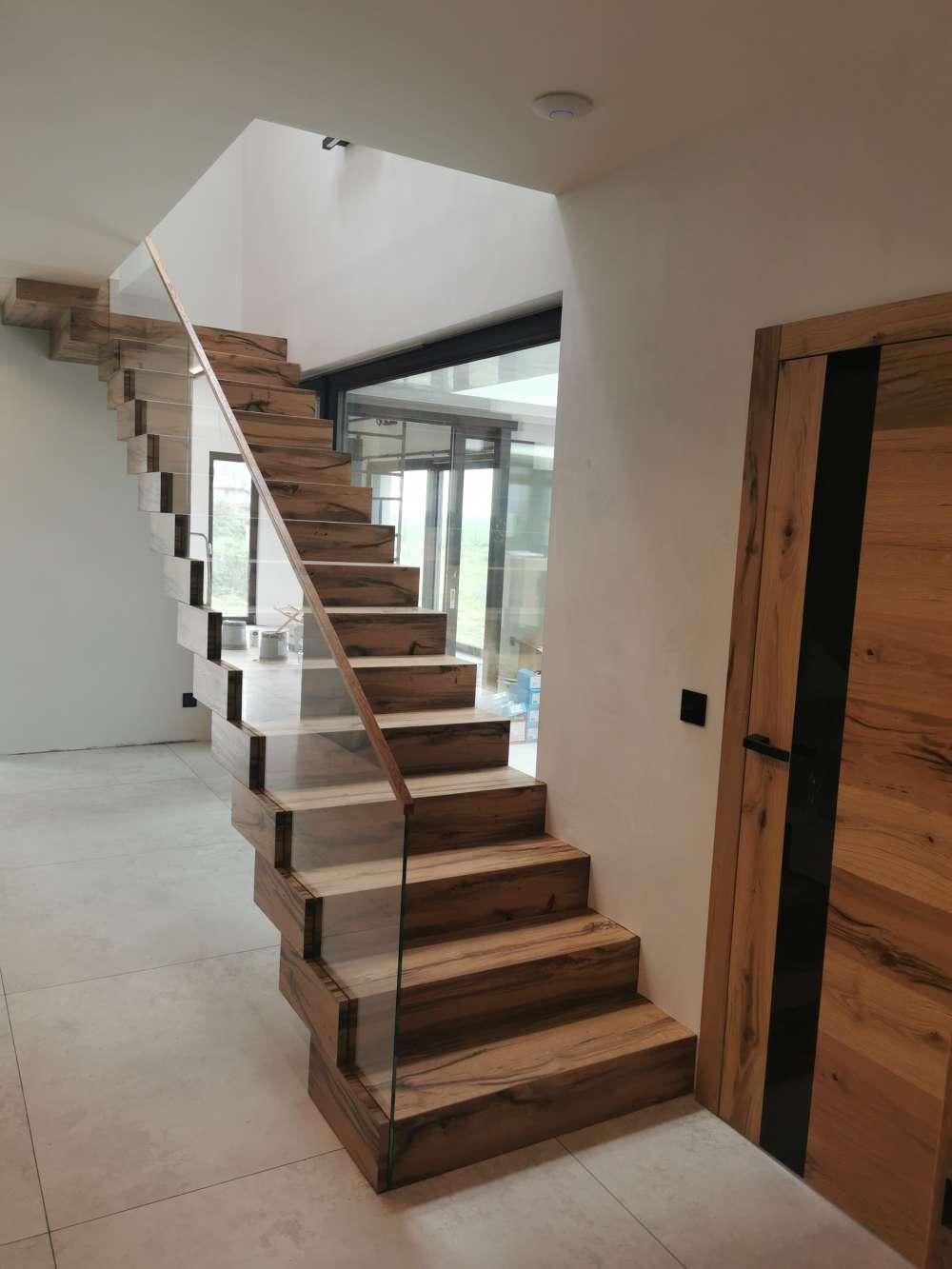 schody skrzynkowe - paczkowe